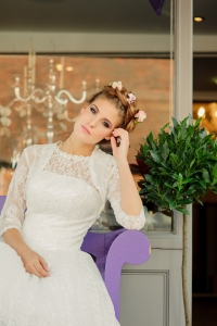 Betty's Bolero, £40 and Betty Blossom wedding dress, £395 available exclusively at kittyandulcie.com Hair accessory floandpercy.com 00118
