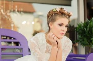 Betty's Bolero, £40 and Betty Blossom wedding dress, £395 available exclusively at kittyandulcie.com Hair accessory floandpercy.com 00134