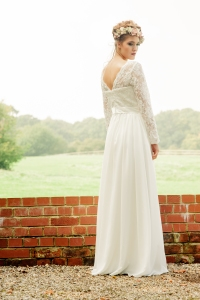 Jasmine's Secret wedding dress, £395 available exclusively at kittyanddulcie.com. Hair accessory floandpercy.com 00050