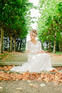 Jasmine's Secret wedding dress, £395 available exclusively at kittyanddulcie.com Hair accessory floandpercy.com 00064