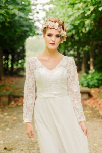 Jasmine's Secret wedding dress, £395 available exclusively at kittyanddulcie.com. Hair accessory floandpercy.com 00082