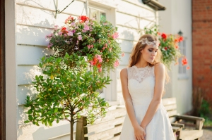 Summer Rose wedding dress, £345 available exclusively at kittyanddulcie.com Hair accessory from floandpercy.com 00253