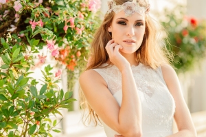 Summer Rose wedding dress, £345 available exclusively at kittyanddulcie.com Hair accessory from floandpercy.com 00262