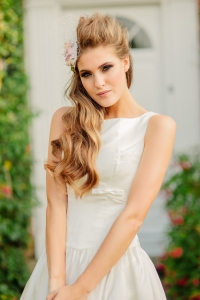Sweet Audrey wedding dress, £350 available exclusively at kittyanddulcie.com Hair accessory from floandpercy.com  00222